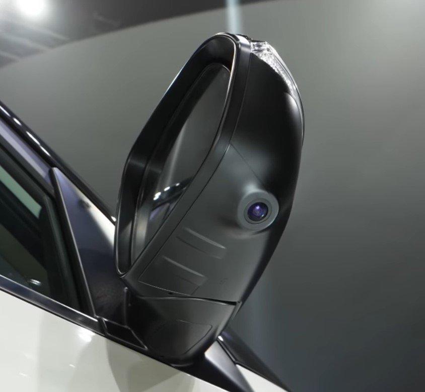 Ảnh chụp gương chiếu hậu xe Kia Seltos 2020