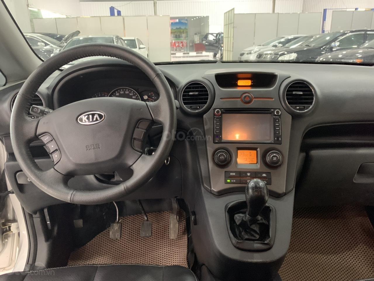 Bán ô tô Kia Carens MT năm sản xuất 2015, màu bạc, giá chỉ 420 triệu (4)