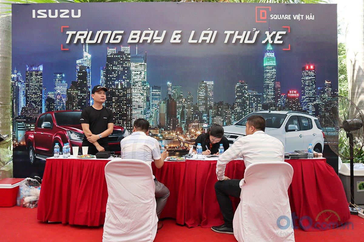 Sáng nay (6/7), Hội chợ Oto.com.vn lớn nhất miền Bắc chính thức khai mạc - Ảnh 7.