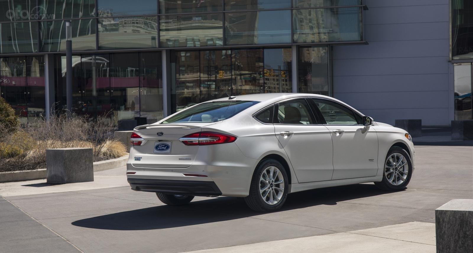 Ưu nhược điểm xe Ford Fusion 2019 - Tự do đặt hạn mức