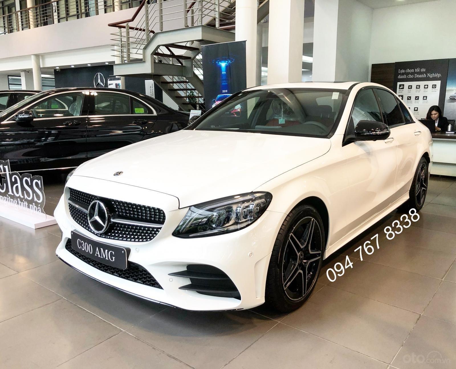 Bán Mercedes C300 AMG 2019. Giao ngay giá ưu đãi lớn nhất, mua xe chỉ với 399tr (1)