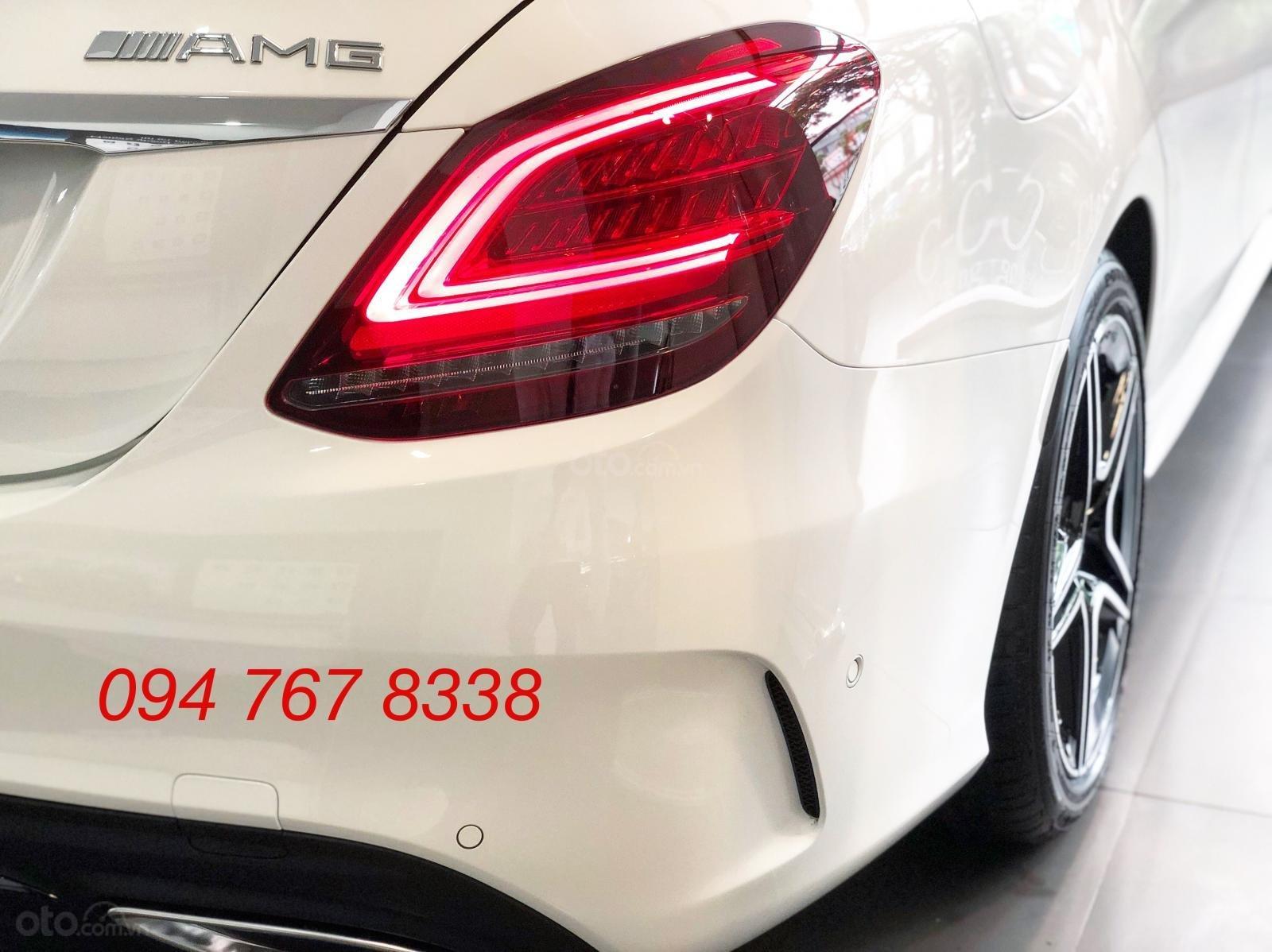 Bán Mercedes C300 AMG 2019. Giao ngay giá ưu đãi lớn nhất, mua xe chỉ với 399tr (7)