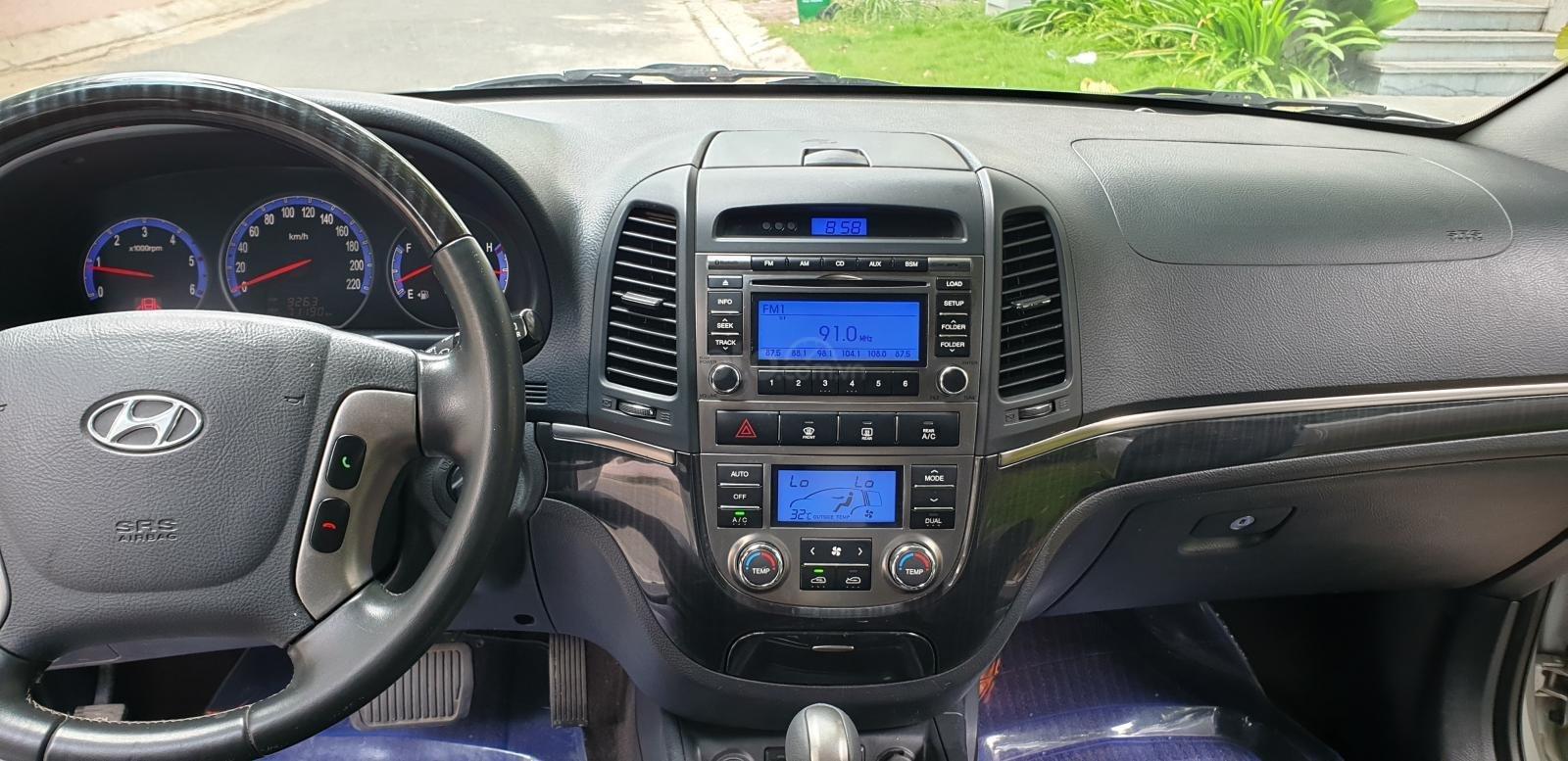 Bán Hyundai Santa Fe SLX 2.0 AT 4×2 2009, máy dầu, số tự động, màu bạc, nhập khẩu, mới 80%-12