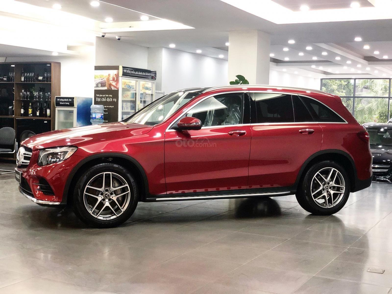 Giá xe Mercedes GLC300 2019 tốt nhất - Đủ màu giao ngay (3)