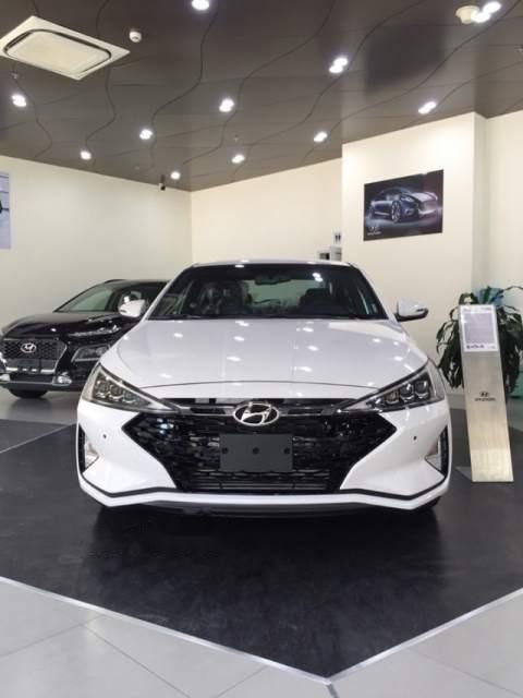 Cần bán Hyundai Elantra đời 2019, giá chỉ 565 triệu (1)