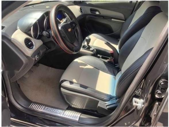 Bán ô tô Chevrolet Cruze năm 2014, số sàn, màu đen sang trọng (2)