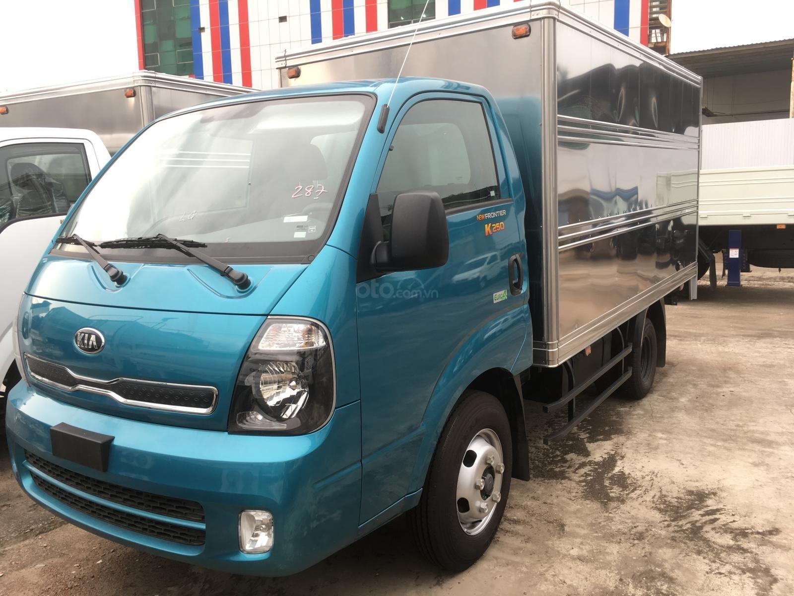 Bán xe tải 2,5 tấn Kia K250 tại Bình Dương, động cơ Hyundai, hỗ trợ vay vốn 75%, liên hệ: 0944 813 912 (3)
