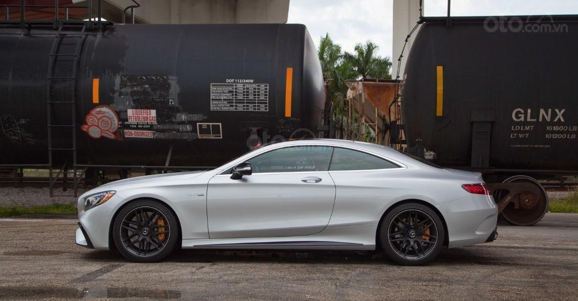Thân xe Mercedes-AMG S 63 Coupe 2019.