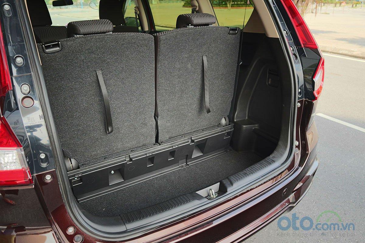 Đánh giá xe Suzuki Ertiga 2019: Khoang hành lý khi sử dụng 3 hàng ghế - ảnh 1.