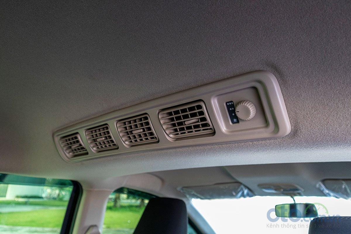 Đánh giá xe Suzuki Ertiga 2019: Cửa gió cho hàng ghế sau.