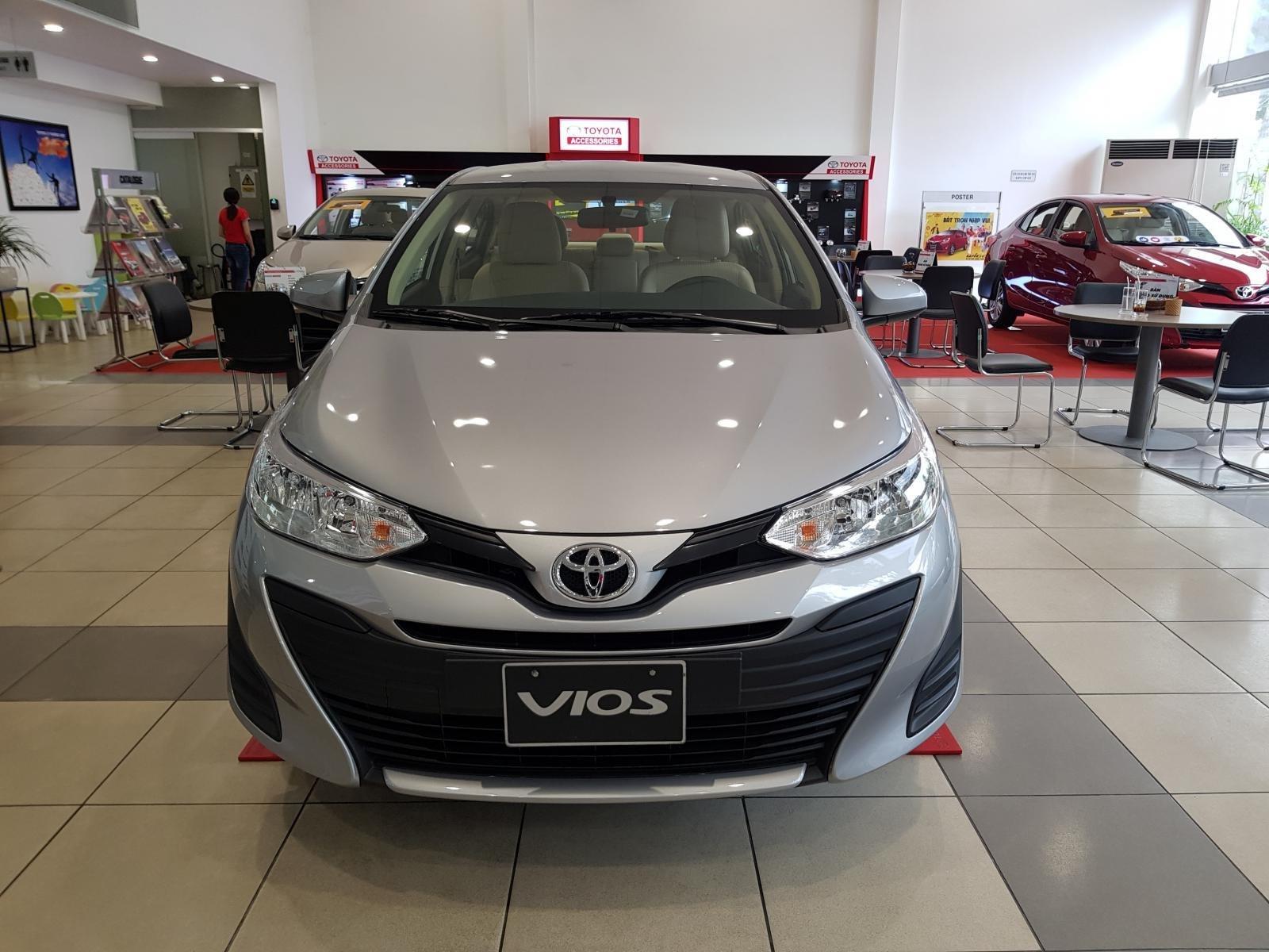 """""""Hot"""" Toyota Vios 1.5E MT khuyến mãi """"Khủng"""" tại Toyota Lý Thường Kiệt, hỗ trợ góp 80%, đủ màu giao ngay (2)"""