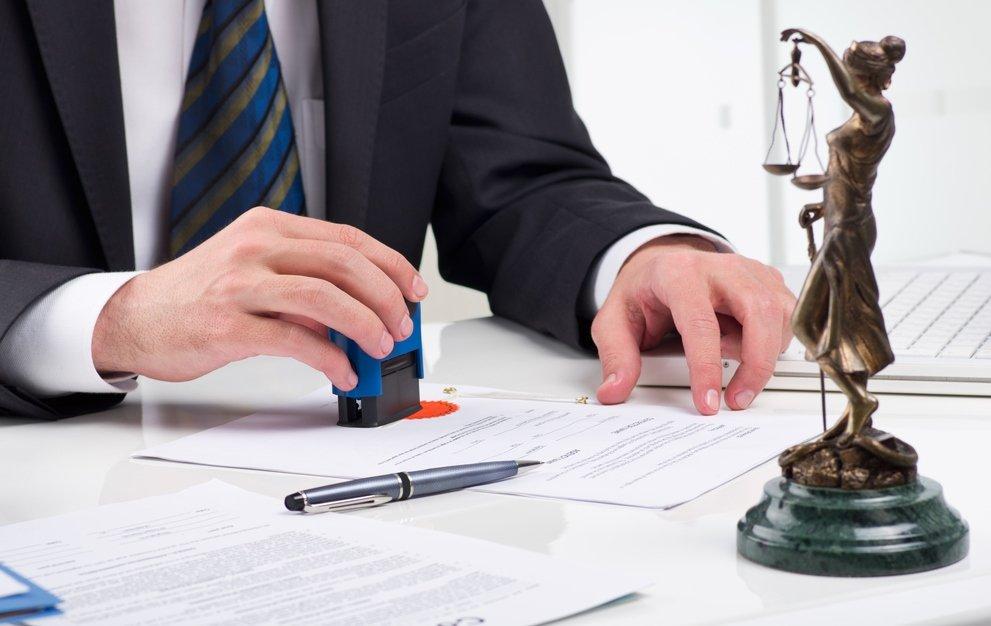 Các chi tiết trong hợp đồng mua bán xe ô tô phải được liệt kê chính xác, rõ ràng.
