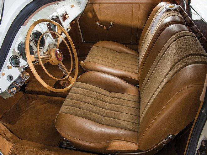 Porsche 356 bản Limousine của nhà sưu tập quá cố được bán đấu giá 4a