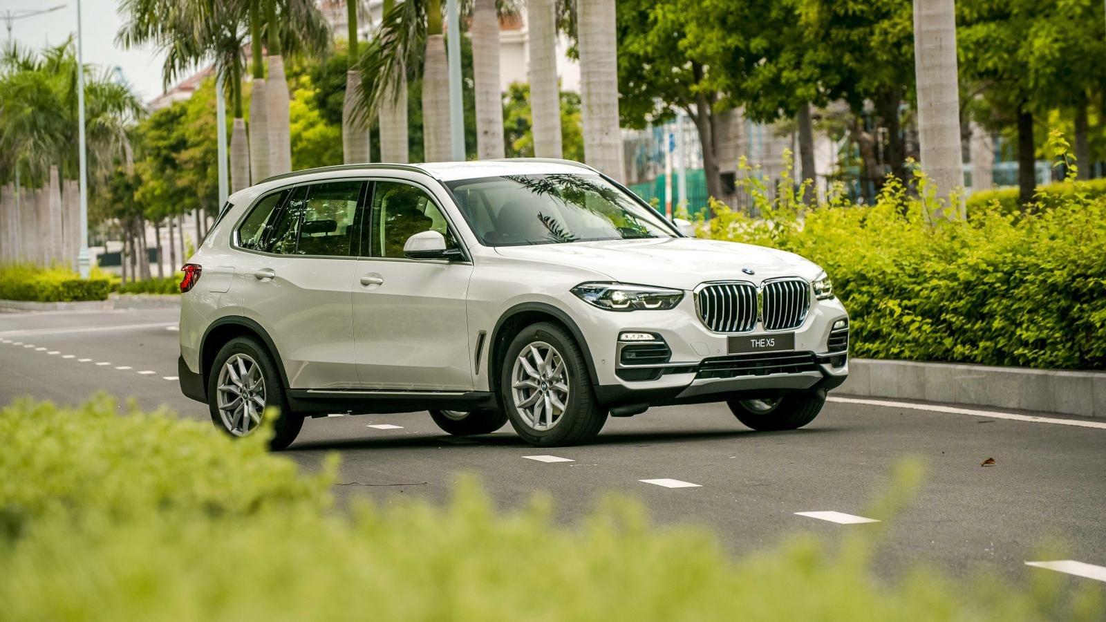 BMW X3 - X5 - X7 đấu với bộ ba Mercedes-Benz nào tại Việt Nam? a3
