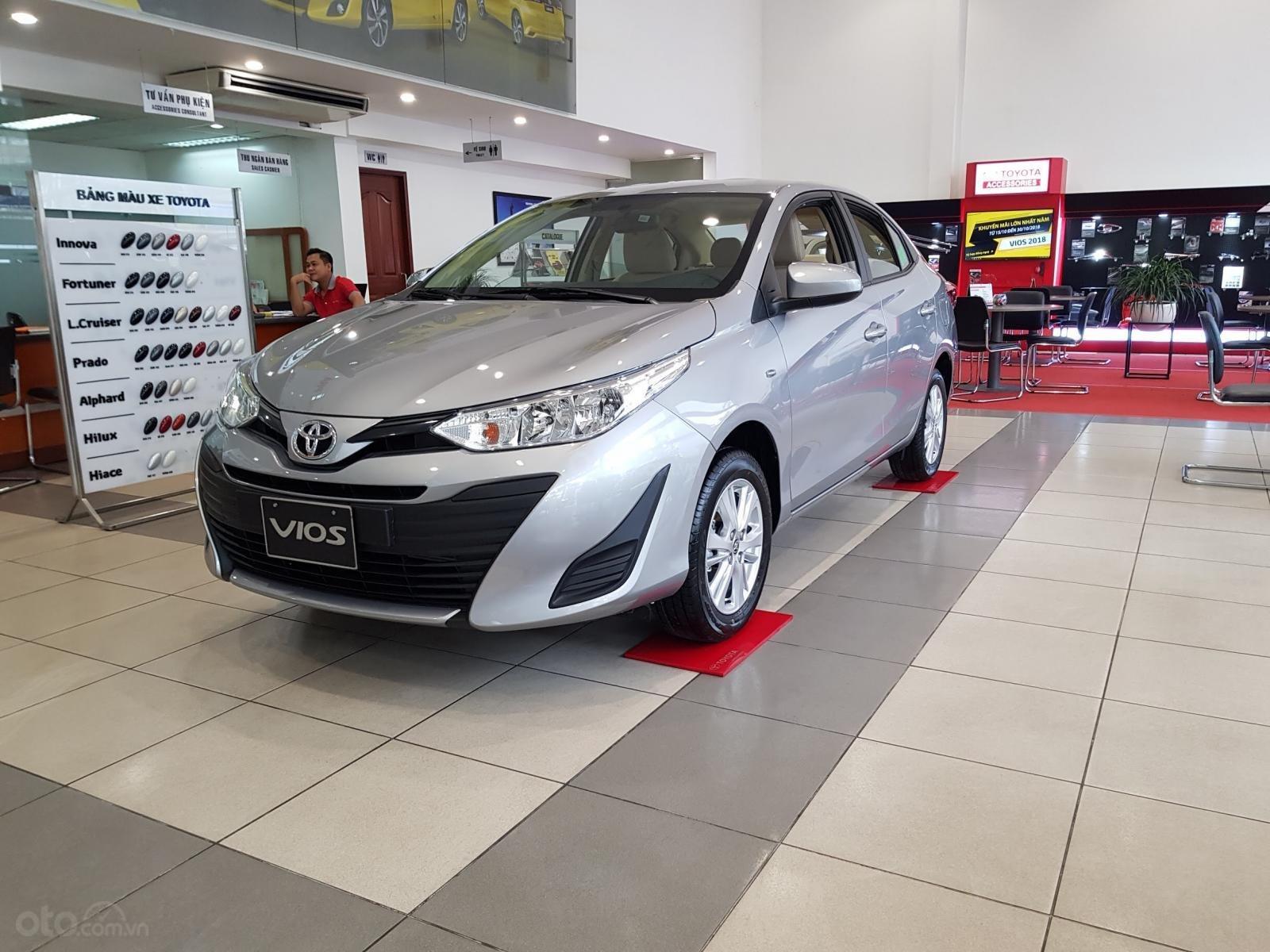 """""""Hot"""" Toyota Vios 1.5E MT khuyến mãi """"Khủng"""" tại Toyota Lý Thường Kiệt, hỗ trợ góp 80%, đủ màu giao ngay (6)"""