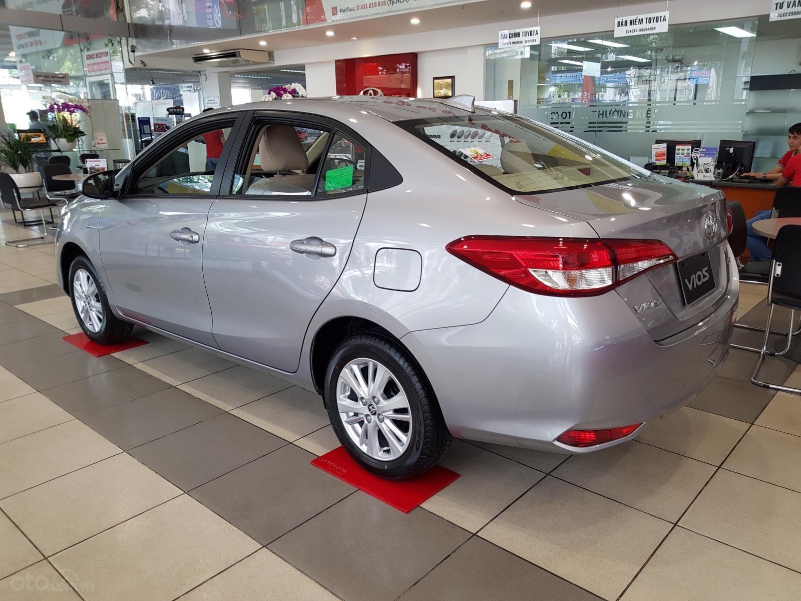 """""""Hot"""" Toyota Vios 1.5E MT khuyến mãi """"Khủng"""" tại Toyota Lý Thường Kiệt, hỗ trợ góp 80%, đủ màu giao ngay (9)"""