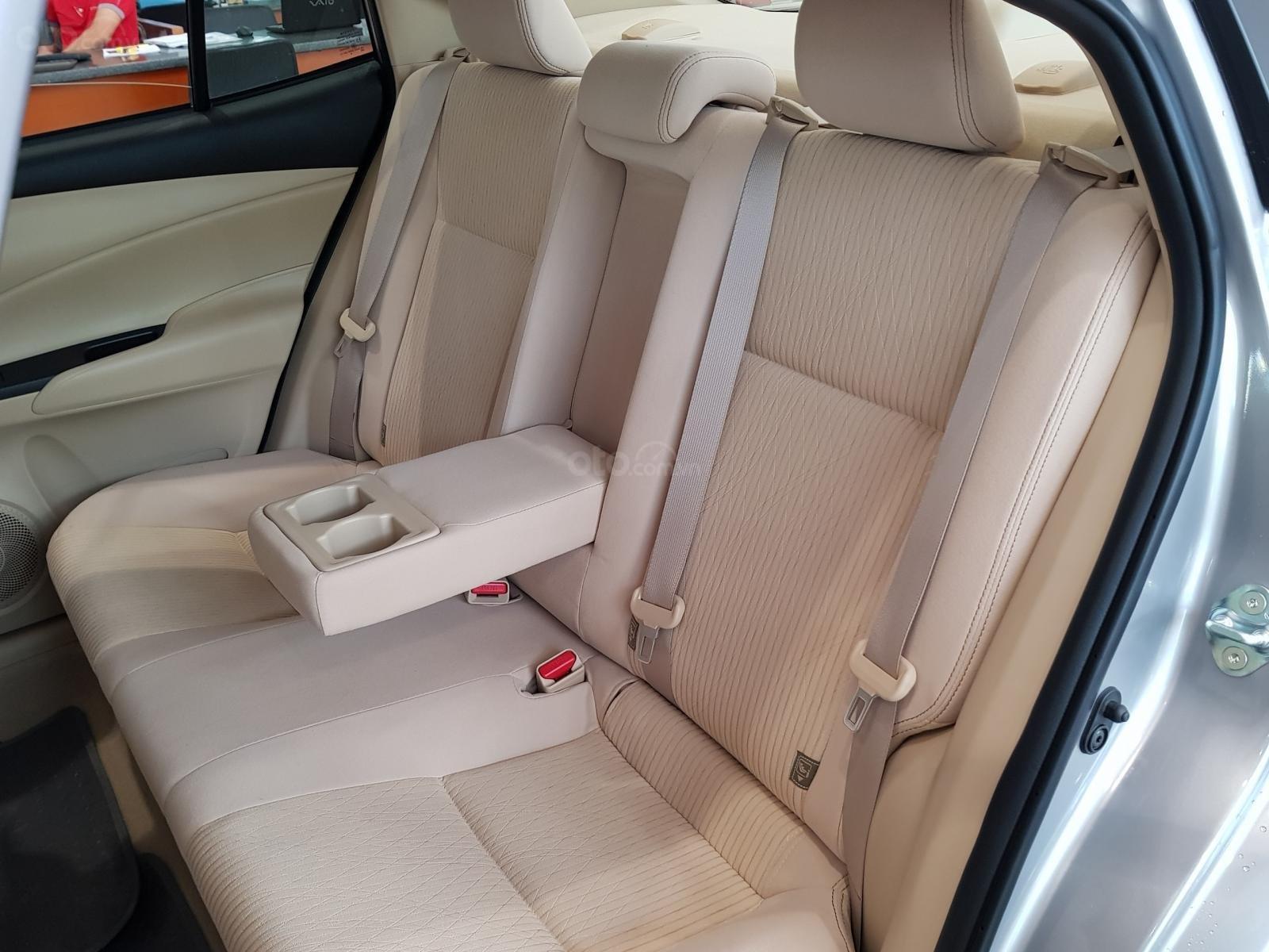 """""""Hot"""" Toyota Vios 1.5E MT khuyến mãi """"Khủng"""" tại Toyota Lý Thường Kiệt, hỗ trợ góp 80%, đủ màu giao ngay (11)"""