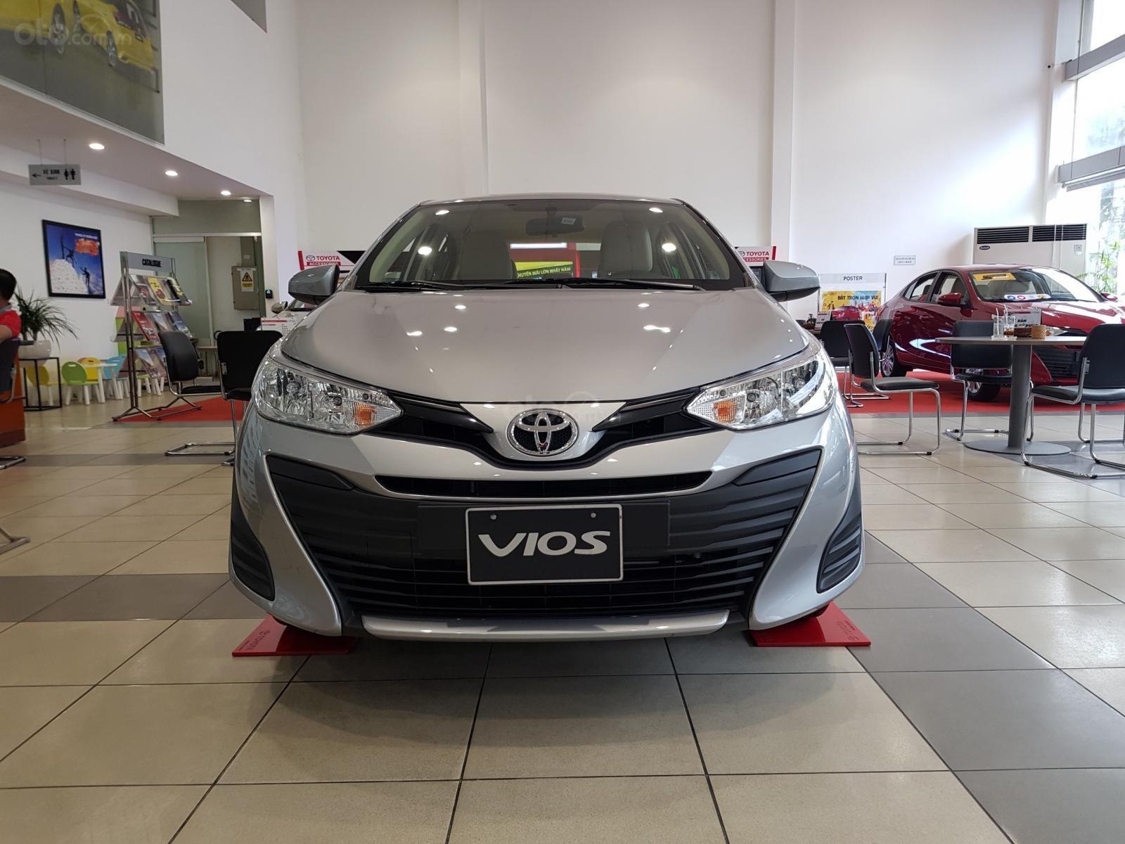 """""""Hot"""" Toyota Vios 1.5E MT khuyến mãi """"Khủng"""" tại Toyota Lý Thường Kiệt, hỗ trợ góp 80%, đủ màu giao ngay (4)"""