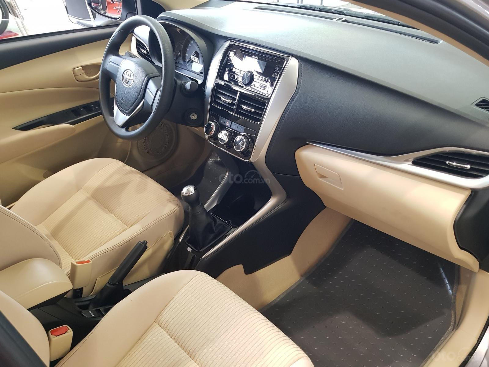 """""""Hot"""" Toyota Vios 1.5E MT khuyến mãi """"Khủng"""" tại Toyota Lý Thường Kiệt, hỗ trợ góp 80%, đủ màu giao ngay (13)"""