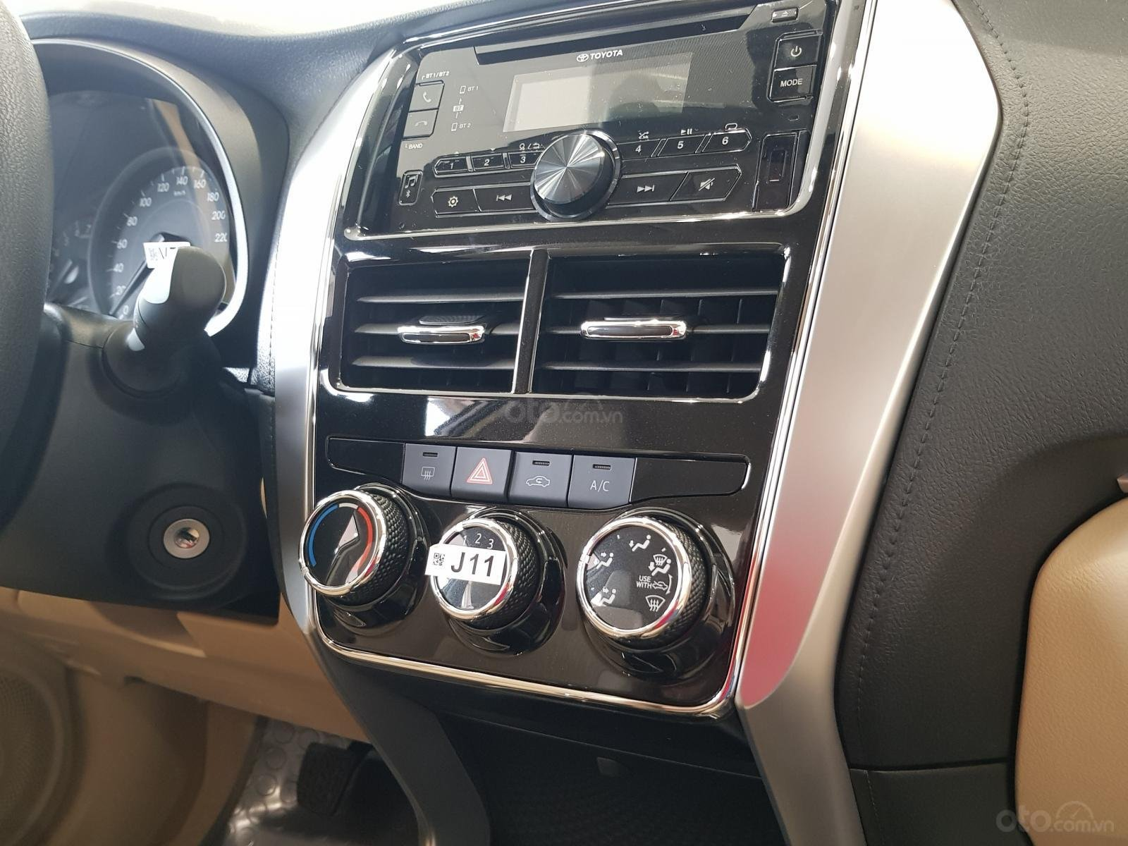 """""""Hot"""" Toyota Vios 1.5E MT khuyến mãi """"Khủng"""" tại Toyota Lý Thường Kiệt, hỗ trợ góp 80%, đủ màu giao ngay (16)"""