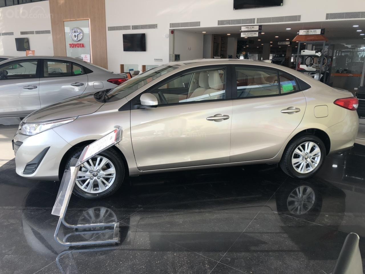 Toyota Vios 1.5E số sàn- màu nâu vàng, bán trả góp chỉ với 130tr nhận xe, lái suất vay 0% (5)