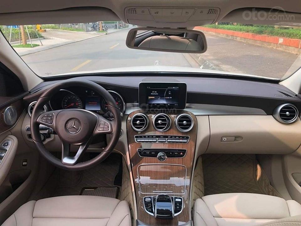 Mercedes C250 Exclusive màu trắng, sản xuất 2017 (5)