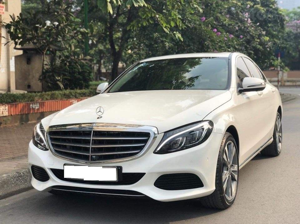 Mercedes C250 Exclusive màu trắng, sản xuất 2017 (2)