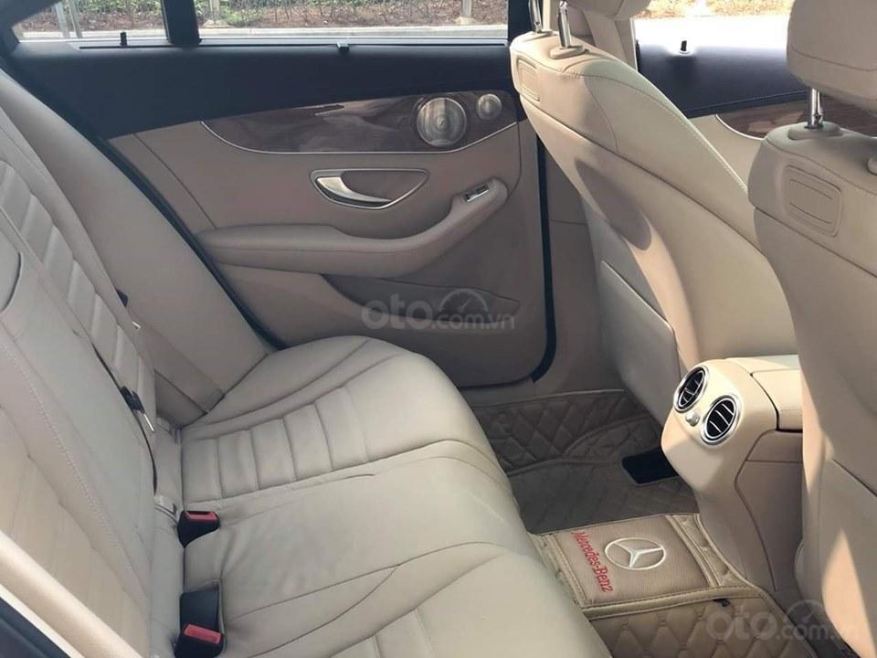 Mercedes C250 Exclusive màu trắng, sản xuất 2017 (8)