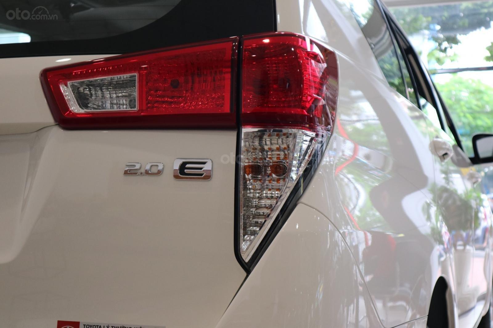 """Toyota Innova 2.0E MT khuyến mãi cực """" khủng"""" tại Toyota Lý Thường Kiệt, hỗ trợ góp 80% xe sẵn đủ màu giao ngay (12)"""