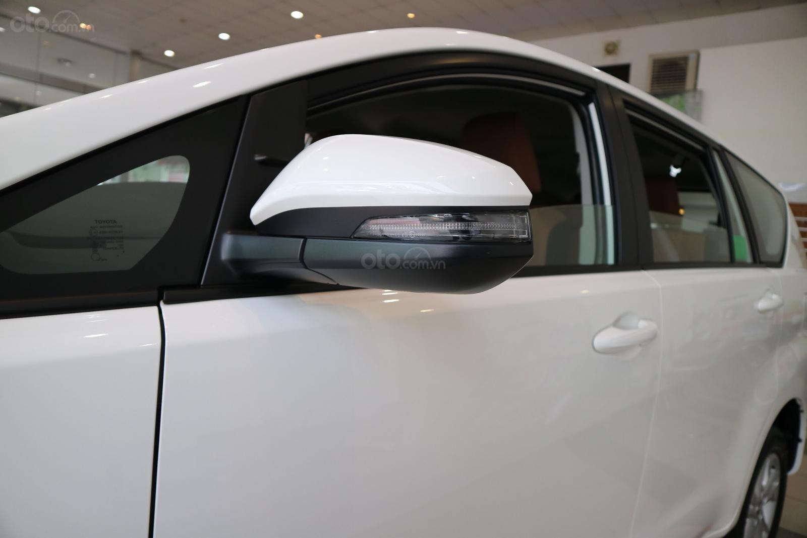 """Toyota Innova 2.0E MT khuyến mãi cực """" khủng"""" tại Toyota Lý Thường Kiệt, hỗ trợ góp 80% xe sẵn đủ màu giao ngay (3)"""