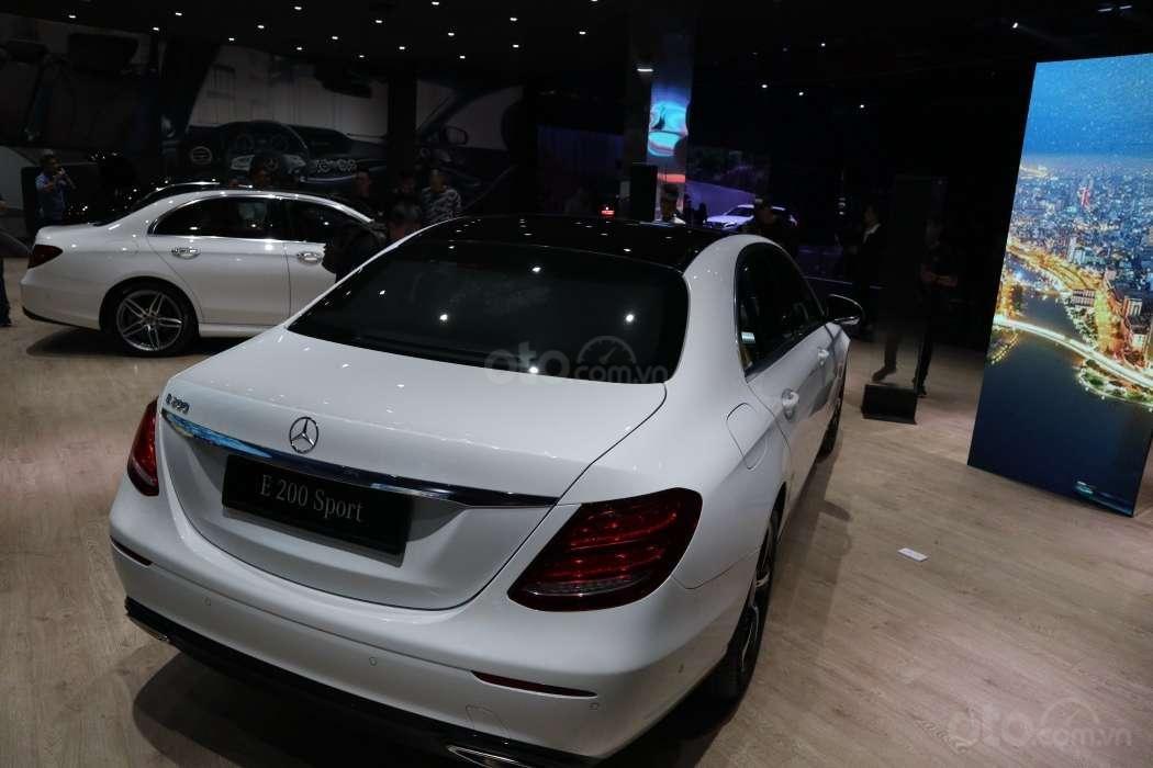 Một số hình ảnh của 3 phiên bảnMercedes-Benz E-Class - Ảnh 5.