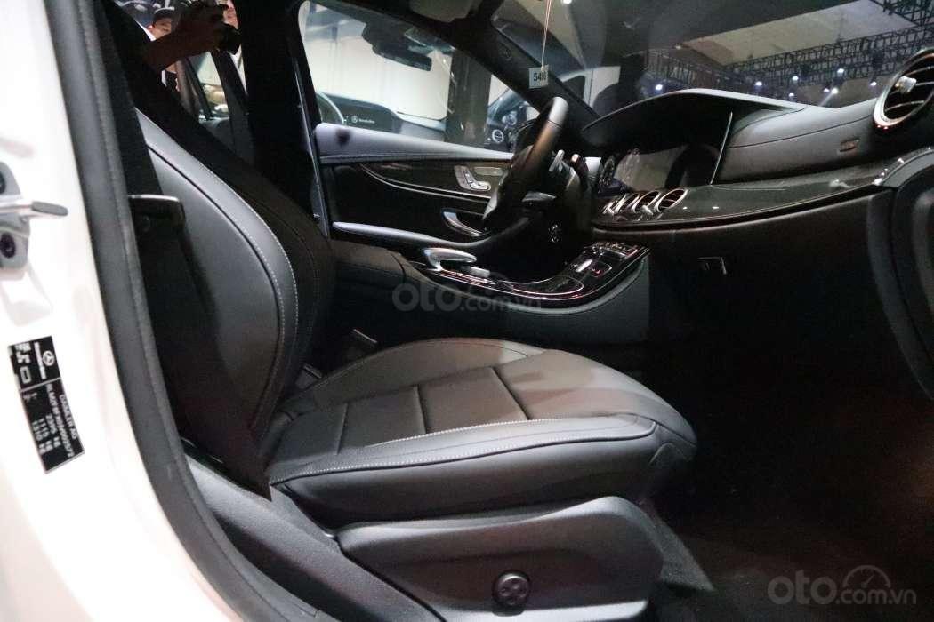 Một số hình ảnh của 3 phiên bảnMercedes-Benz E-Class - Ảnh 6.