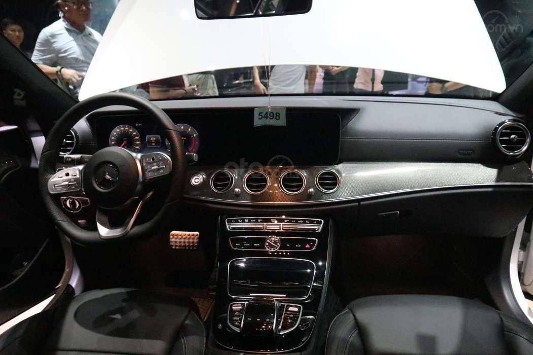 Một số hình ảnh của 3 phiên bảnMercedes-Benz E-Class - Ảnh 7.