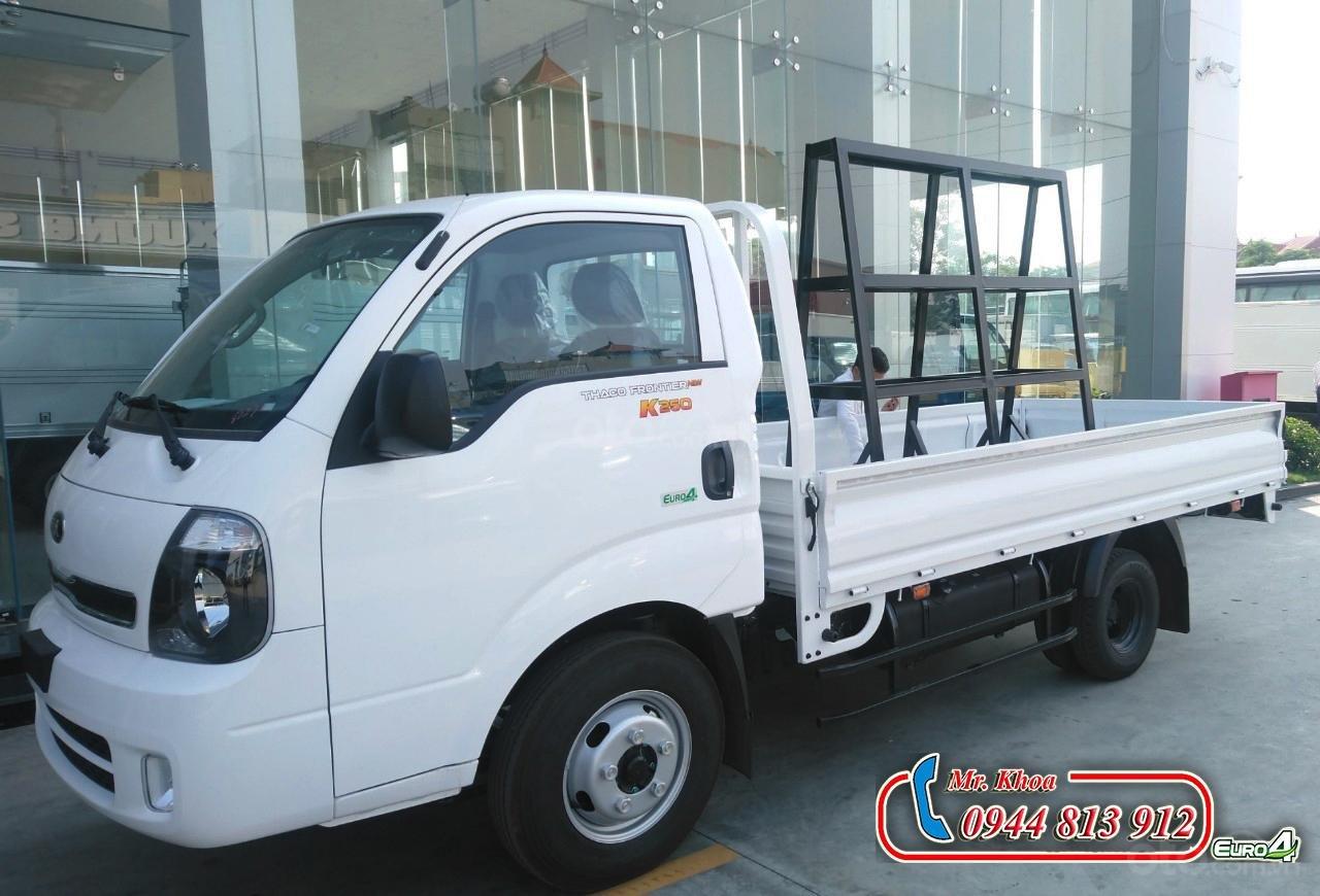 Thaco Bình Dương bán xe tải 2,5 tấn Kia K250, động cơ Hyundai đời 2019, thùng cải tạo chở kính - LH: 0944.813.912-0