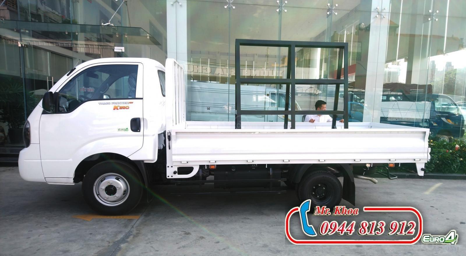 Thaco Bình Dương bán xe tải 2,5 tấn Kia K250, động cơ Hyundai đời 2019, thùng cải tạo chở kính - LH: 0944.813.912-3