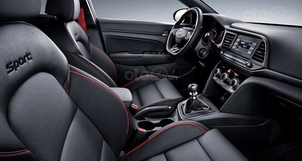 Hyundai Elantra 1.6MT 2019, ưu đãi tháng 7 lêm tới 25 triệu đồng, liên hệ 0931545222-3