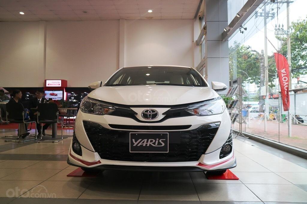 """Toyota Yaris 1.5G khuyến mãi """"Khủng"""" tại Toyota Lý Thường Kiệt, hỗ trợ góp 85%, xe sẵn giao ngay-1"""