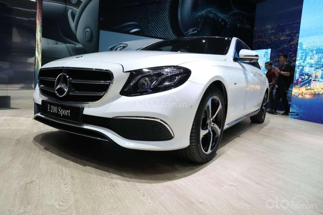 Những điểm nhấn đáng chú ý trên Mercedes-Benz E-Class 2019 vừa ra mắt khách Việt 3a