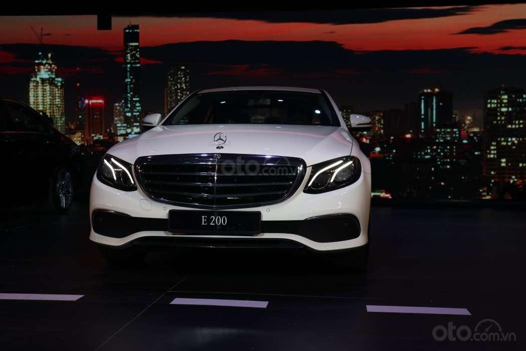Những điểm nhấn đáng chú ý trên Mercedes-Benz E-Class 2019 vừa ra mắt khách Việt 2a