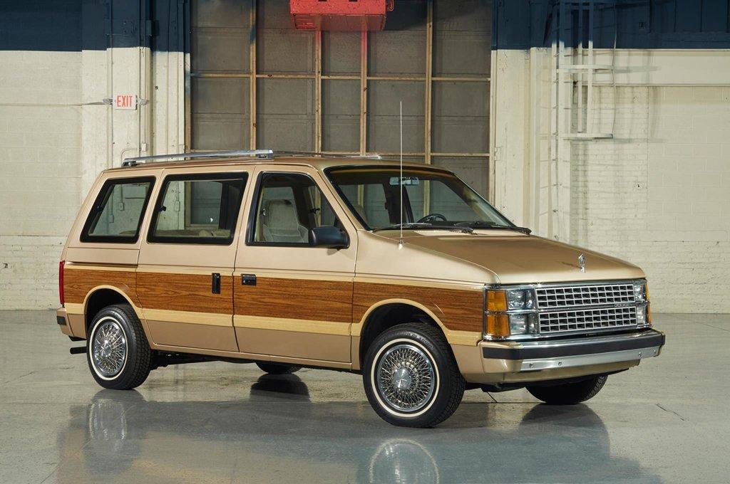 Những chiếc ô tô huyền thoại lừng lẫy nhất mọi thời đại ở Mỹ 6a