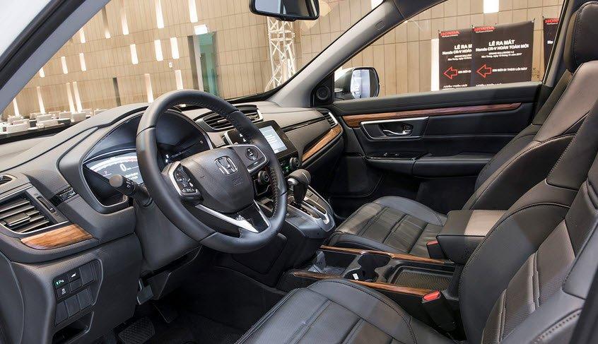 So sánh xe Mazda CX-8 2019 và Honda CR-V 2019 về ghế ngồi.