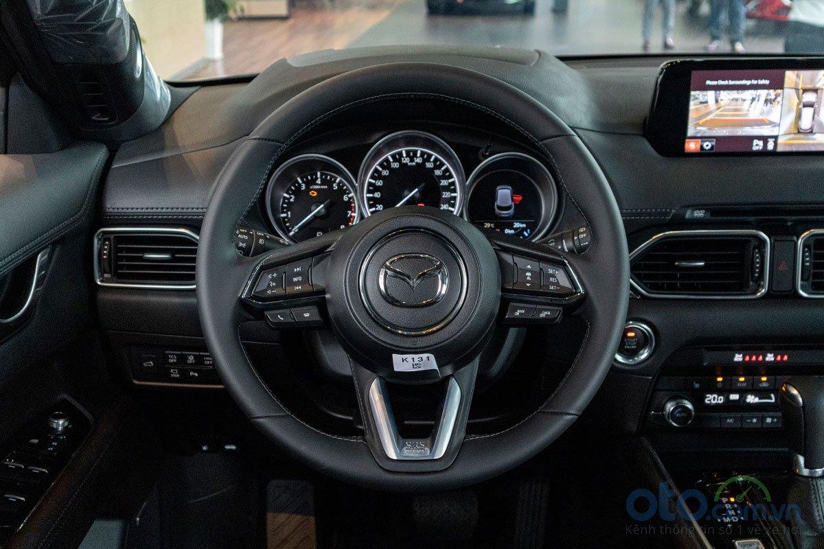 So sánh xe Mazda CX-8 2019 và Honda CR-V 2019 về nội thất 2