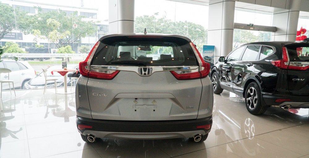 So sánh xe Mazda CX-8 2019 và Honda CR-V 2019 về đuôi xe 5