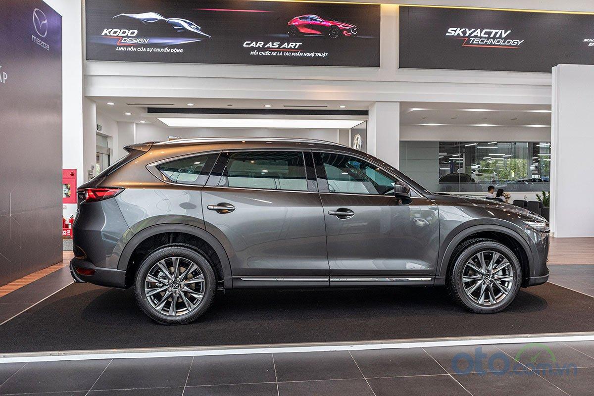 So sánh xe Mazda CX-8 2019 và Honda CR-V 2019 về thân xe 3