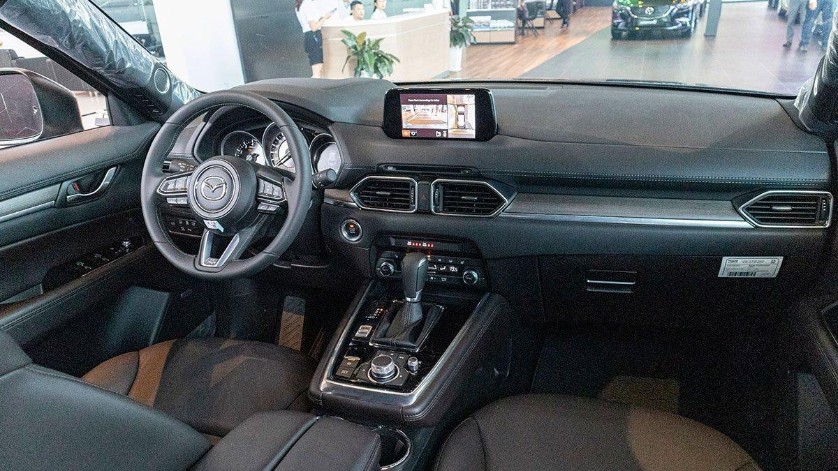 Mazda CX-8 2019 có không gian nội thất rộng rãi hơn hẳn Honda CR-V 2019 3