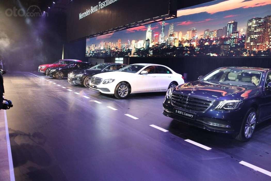 Mercedes-Benz E-Class thêm phiên bản, giá mới hơn 2 tỷ đồng ra mắt.