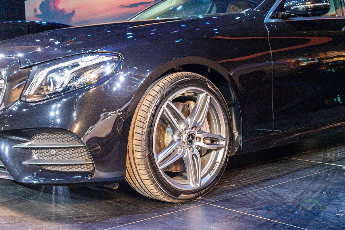 Hình ảnh của Mercedes-Benz E 350 AMG 2.