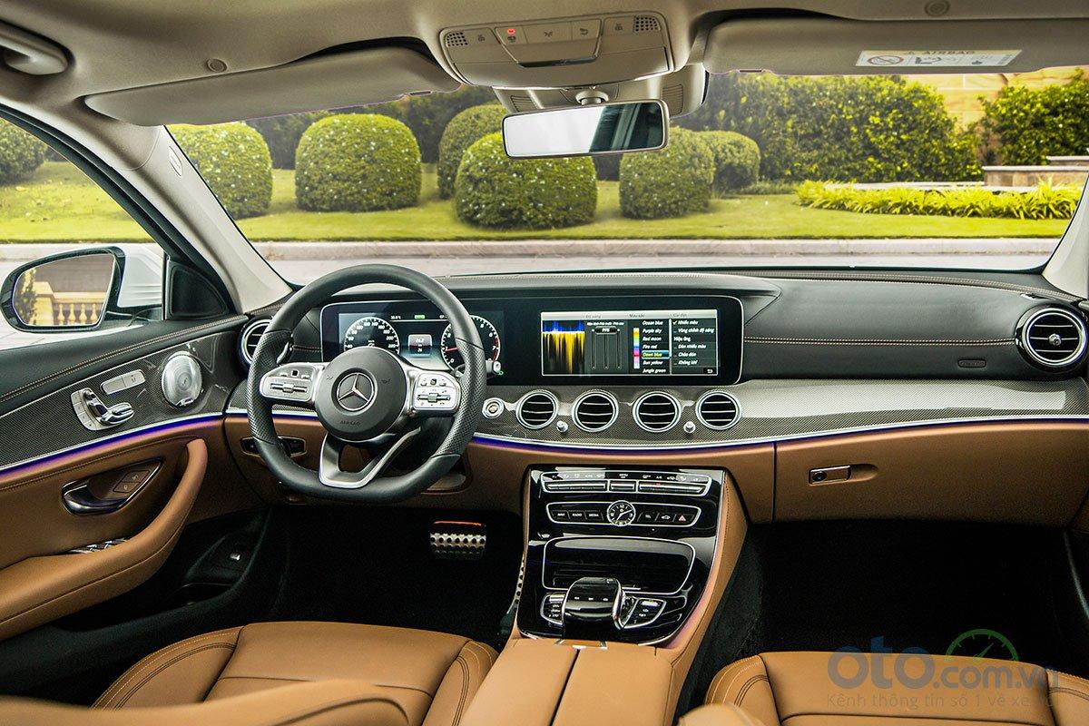 Hình ảnh của Mercedes-Benz E 350 AMG 4.
