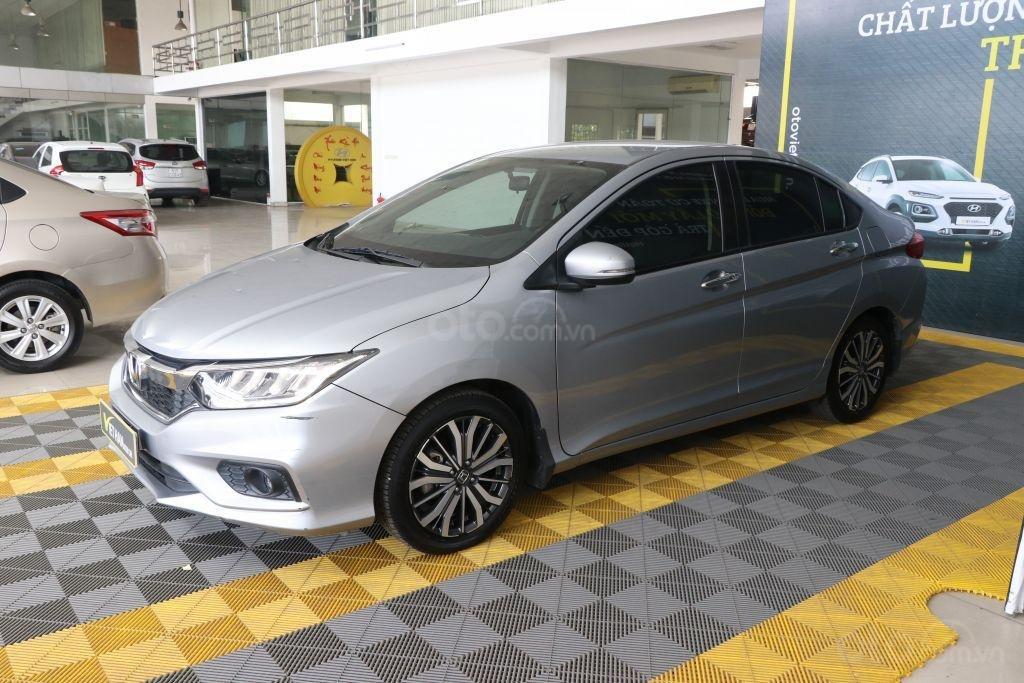 Bán ô tô Honda City top 1.5AT sản xuất năm 2018, màu bạc (1)