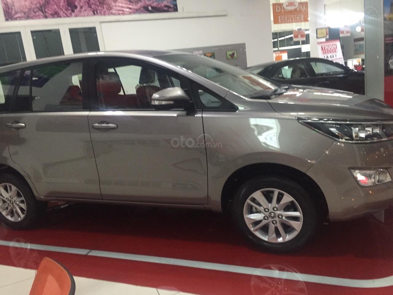 Bán Innova 2.0E số sàn, màu đồng, hỗ trợ vay 85%, thanh toán 170tr nhận ngay xe (2)